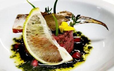Οι καλύτερες πρώτες ύλες και το μαγειρικό ταλέντο του σεφ μας, Alexander Synagri έχουν ως αποτέλεσμα μοναδικά, πεντανόστιμα πιάτα.
