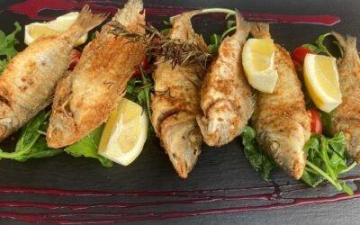 Favorite choice for summer Sunday lunch. 🐟🌊🏖                    #corfu #corfuisland #corfu_island #spiaggiabiancacorfu #corfugreece #lunch